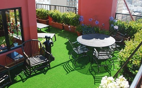 Family Hangout Ideas: 5 Ways to Use the Best Artificial Grass for Dogs in Austin Backyards